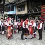 Описание на старите български сватби-През вековете са се изпълнявали така: