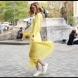 12 примера как да носим рокля с кецове