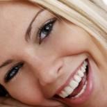 Как по естествен начин да си избелите зъбите