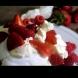 Сложила едно яйце в пудра захар и получила прекрасен десерт само за 3 минути (Видео)