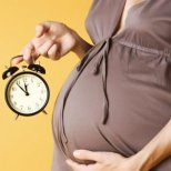 Какво се случва през девети месец от бременността