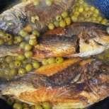Риба с маслини