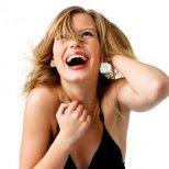 Каква е жената в леглото според смеха й