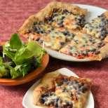 Барбекю-пица с боб и пълнозърнесто тесто