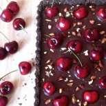 Шоколадов тарт с череши и ганаш