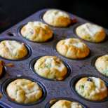 Маслинени кексчета със сирене