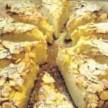 Маслен сладкиш с ябълки и круши