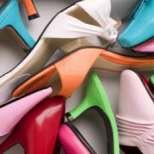 Колко чифта обувки притежават жените