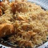 Пилаф с пилешко и оризови спагети