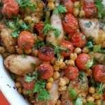 Печено пиле с нахут и чери доматчета