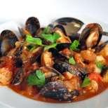 Чопино - пикантна супа с морски дарове