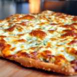 Пица с песто и три сирена