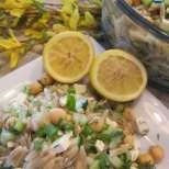 Макаронена салата с нахут и лимон