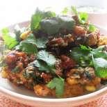 Постен карфиол с домати и чили