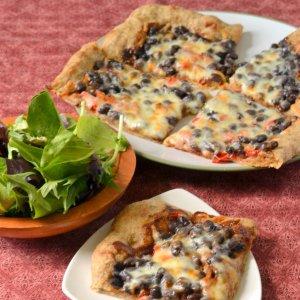 bedb1234b51 Барбекю-пица с боб и пълнозърнесто тесто - За Жената