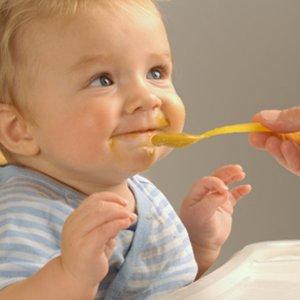 Как да захранвате бебето