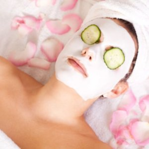 Почистващи и подхранващи маски за лице и коса