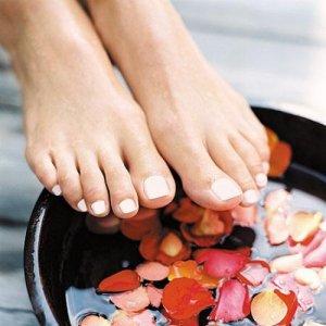 Как да се погрижите за краката си с билки