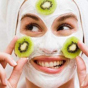 Успокояващи маски за лице от вашата кухня