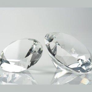 Как да използваме кристалите за късмет във Фън Шуй