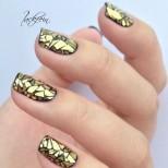 Уникална техника за лакиране на ноктите, която покори света тази есен!