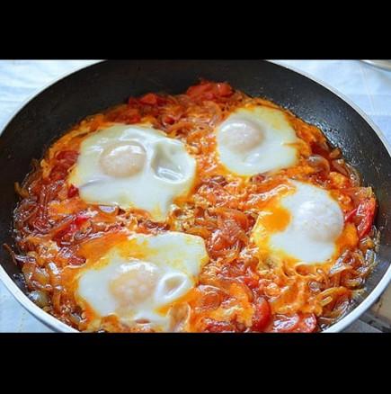 Яйца по фантазьорски- лесна вечеря за умрели от глад хора (бързо, вкусно и сочно)