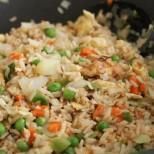 Как да си направите ориз по китайски и пиле в сладко- кисел сос досущ като от китайски ресторант. Само трябва да знаете....