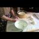 Любимите мекички на баба Райна за закуска! За първи път е разкрита тайната на бабите ни за меки и пухкави мекички /Видео/