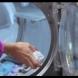 В пълна пералня сложила алуминиево фолио - Малцина знаят този гениален трик!