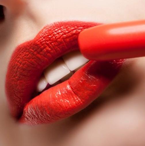 Устните ви говорят много за вас? Научете каква жена сте според формата им