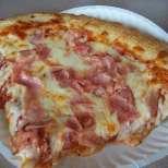 Картофена пица с шунка и топено сирене