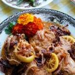 Пиле по индийски с лимон и пържен лук