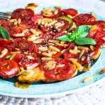 Карамелизиран доматен тарт