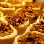 Тарталетки с тиква и орехи
