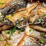 Костур с тахан и къри сос