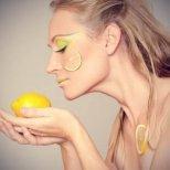 Свежи лимонени маска за лице за всякакъв тип кожа