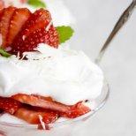 Вкусни летни десерти без печене