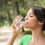 Колко е важна хидратацията и колко течности е нужно да пием дневно