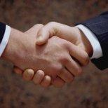 Какво говори за личността ви вашето ръкостискане?