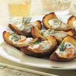Картофени люспи със сьомга и копър