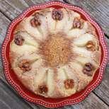 Ефектен сладкиш с круши и орехи