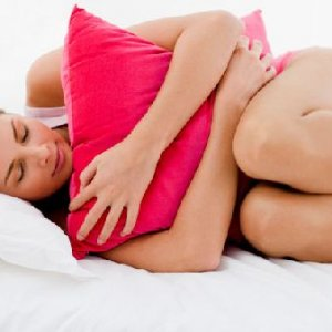 Коя поза по време на сън е полезна