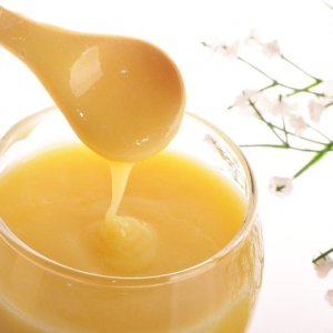 Невероятните лечебни свойства на пчелното млечице