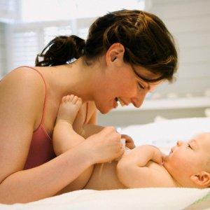 Защо да масажираме редовно бебето си