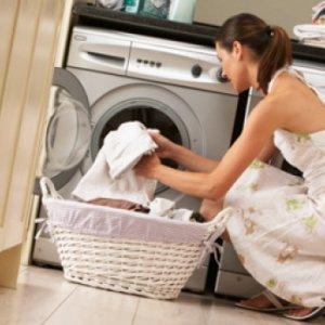 Как да премахнете лесно петната от дрехите си
