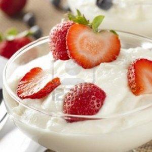 Бърза диета с кисело мляко и ягоди за три дни