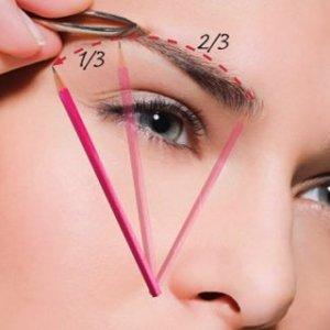 Няколко стъпки за правилно оформяне на веждите