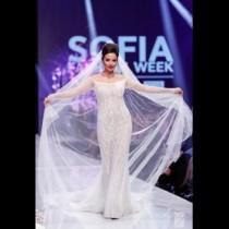 Наталия Гуркова се завърна на модния подиум