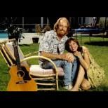10 години е била във връзка с баща си: Някогашната детска звезда шокира всички със своето признание за известния музикант ...