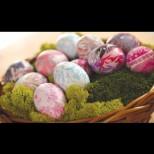 Тази година ще ви съсипем от нови и оригинални предложения за боядисване на яйца. Ето поредното от нас (Видео)